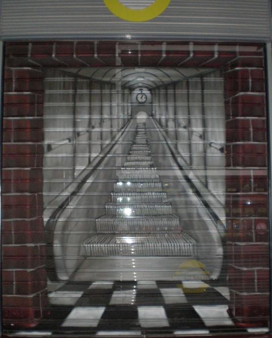 ATH - escalator trompe l'oeil metro