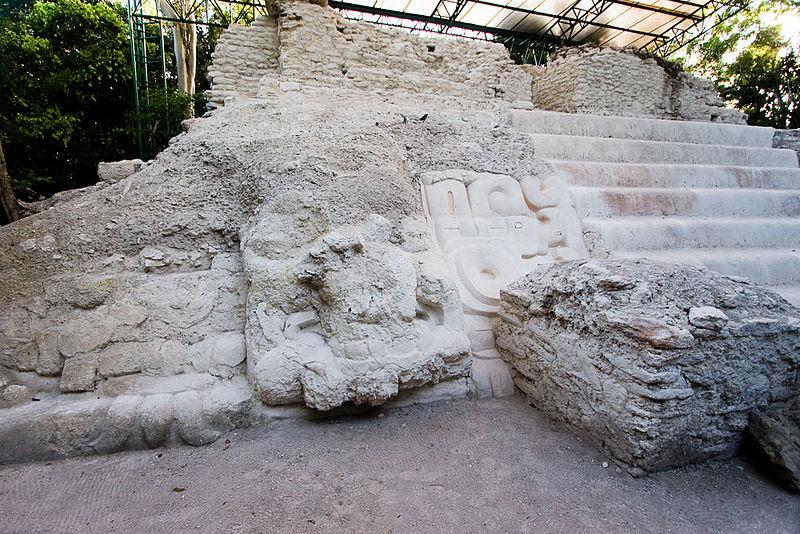 el-mirador-temple-patte-de-jaguar