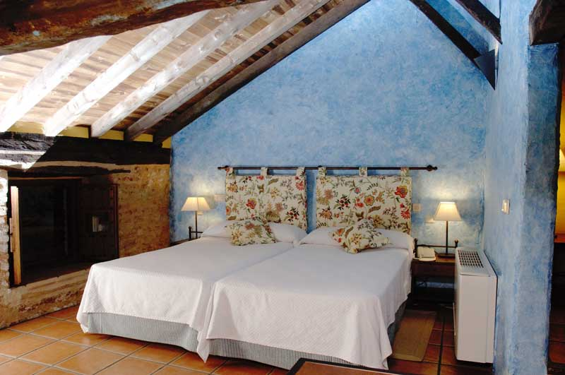 hotel-plaza-de-toros-de-almaden-chambre2